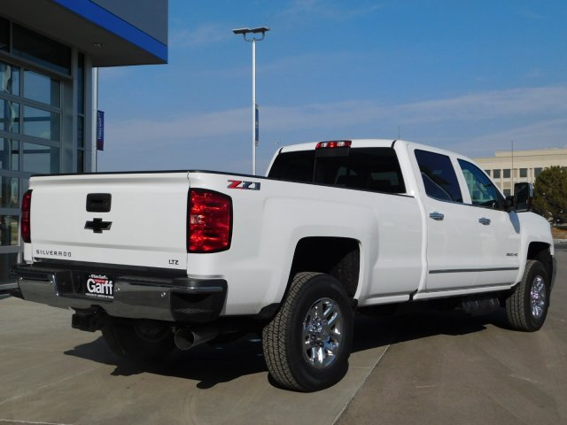 2019 Silverado 3500 Crew Cab 4x4,  Pickup #4E90299 - photo 2