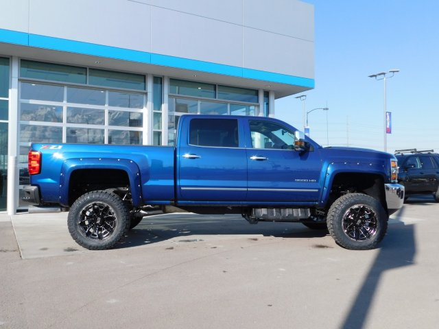 2019 Silverado 3500 Crew Cab 4x4,  Pickup #4E90301 - photo 3