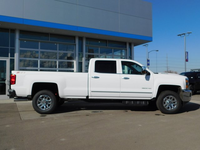 2019 Silverado 3500 Crew Cab 4x4,  Pickup #4E90346 - photo 3