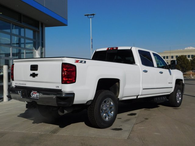 2019 Silverado 3500 Crew Cab 4x4,  Pickup #4E90346 - photo 2