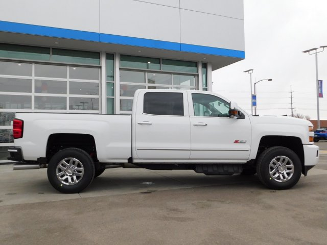 2019 Silverado 3500 Crew Cab 4x4,  Pickup #4E90349 - photo 3