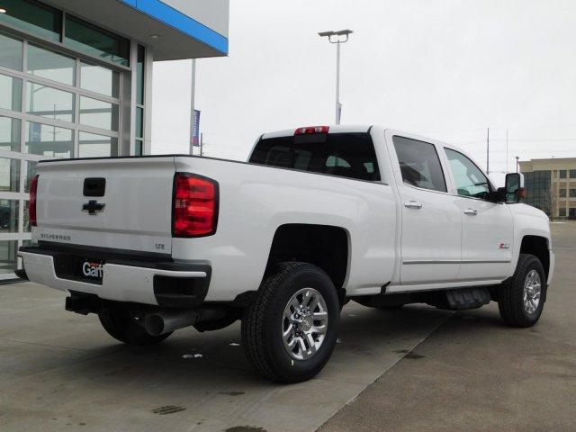 2019 Silverado 3500 Crew Cab 4x4,  Pickup #4E90349 - photo 2