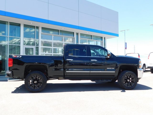 2019 Silverado 3500 Crew Cab 4x4,  Pickup #4E90592 - photo 3