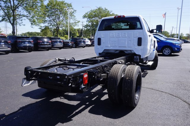 2019 Silverado Medium Duty Regular Cab DRW 4x2, Cab Chassis #3190453 - photo 1