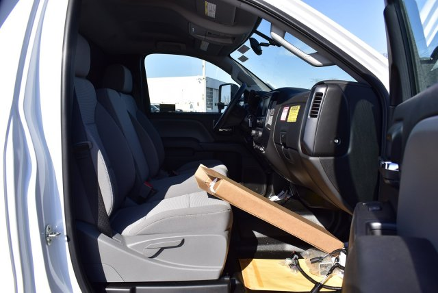 2019 Chevrolet Silverado Medium Duty Regular Cab DRW RWD, Crysteel Contractor Dump Body #3190970 - photo 6