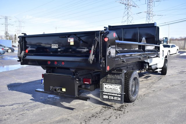 2019 Chevrolet Silverado Medium Duty Regular Cab DRW RWD, Crysteel Contractor Dump Body #3190970 - photo 2