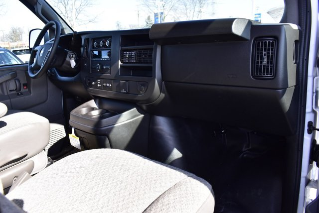 2019 Chevrolet Express 3500 RWD, Bay Bridge FRP Cutaway Van #3190981 - photo 5