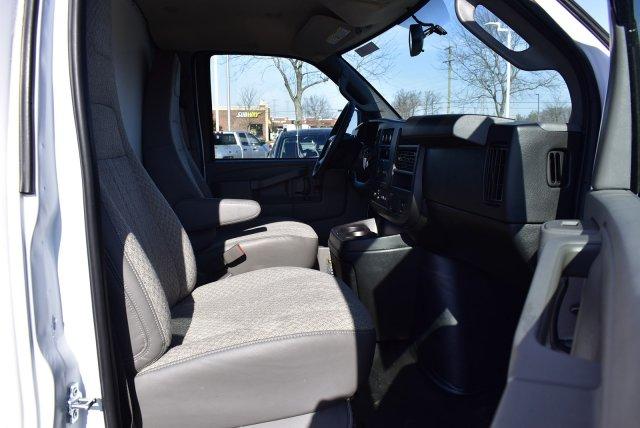 2019 Chevrolet Express 3500 RWD, Bay Bridge FRP Cutaway Van #3190981 - photo 6