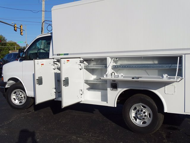2020 Chevrolet Express 3500 RWD, Reading Aluminum CSV Service Utility Van #3200899 - photo 14