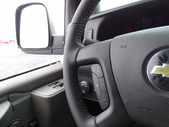 2020 Chevrolet Express 3500 4x2, Service Utility Van #3200941 - photo 20