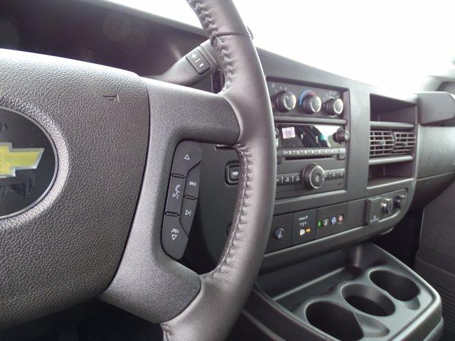 2020 Chevrolet Express 3500 4x2, Service Utility Van #3200941 - photo 21