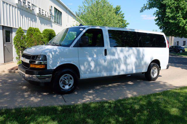 2018 Chevrolet Express 3500 4x2, Passenger Wagon #C10322X - photo 1