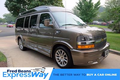 2021 Chevrolet Express 2500 4x2, Passenger Wagon #C10355 - photo 1