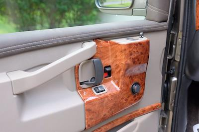 2021 Chevrolet Express 2500 4x2, Passenger Wagon #C10355 - photo 12