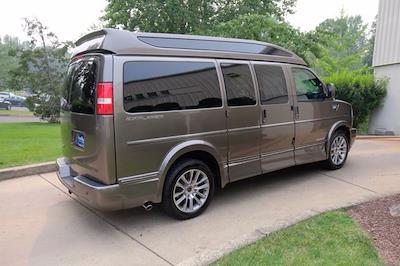 2021 Chevrolet Express 2500 4x2, Passenger Wagon #C10355 - photo 3
