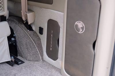 2021 Chevrolet Express 2500 4x2, Passenger Wagon #C10355 - photo 6