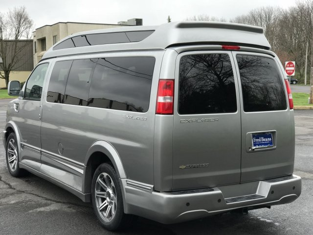 2018 Express 2500 4x2,  Passenger Wagon #C80338 - photo 9