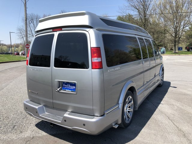 2018 Express 2500 4x2,  Passenger Wagon #C80415 - photo 2