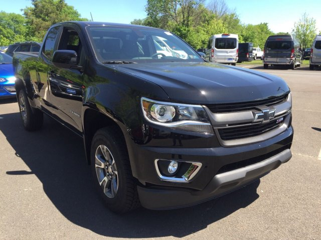 2018 Colorado Extended Cab 4x4,  Pickup #C80577 - photo 3