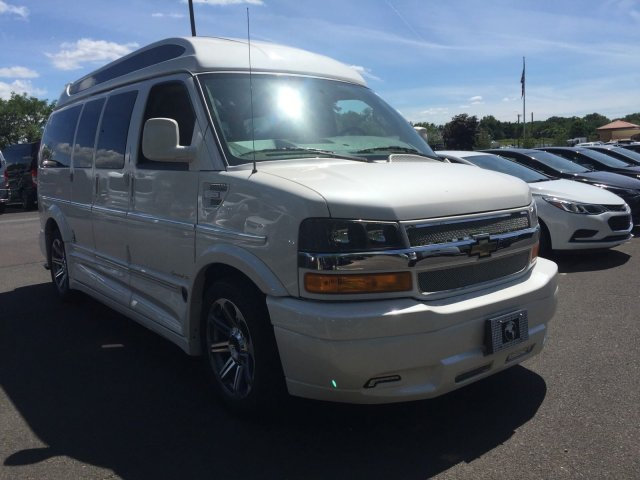 2018 Express 2500 4x2,  Passenger Wagon #C80579 - photo 3
