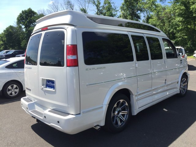 2018 Express 2500 4x2,  Passenger Wagon #C80579 - photo 5