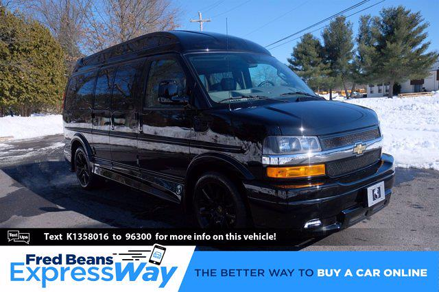 2019 Chevrolet Express 2500 4x2, Passenger Wagon #C101381 - photo 1