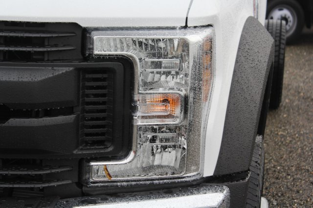 2019 F-550 Regular Cab DRW 4x4,  Cab Chassis #F90209 - photo 5