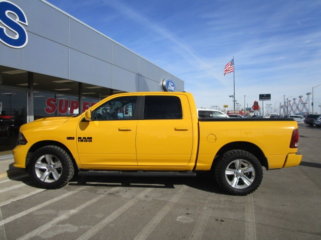 2016 Ram 1500 Crew Cab 4x4, Pickup #9803 - photo 4