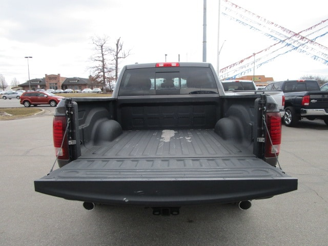 2015 Ram 1500 Crew Cab 4x4, Pickup #9804 - photo 9