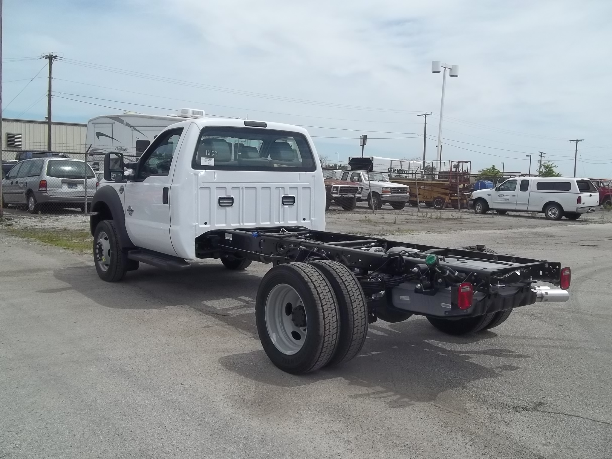 2016 F-550 Regular Cab DRW, Cab Chassis #F31292 - photo 4