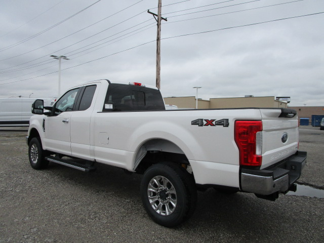 2017 F-250 Super Cab 4x4 Pickup #F31403 - photo 4