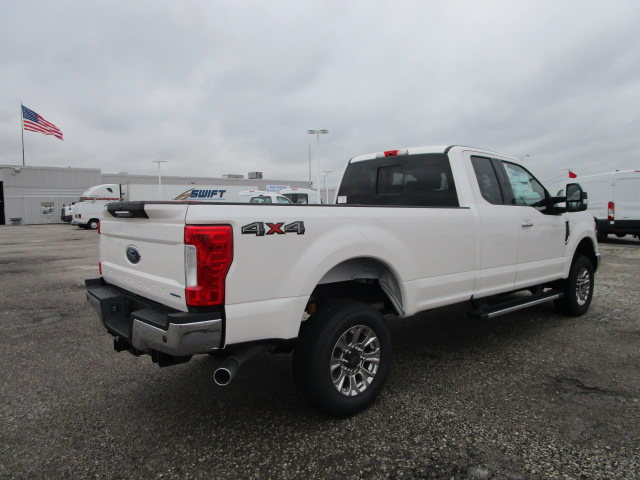 2017 F-250 Super Cab 4x4 Pickup #F31403 - photo 2