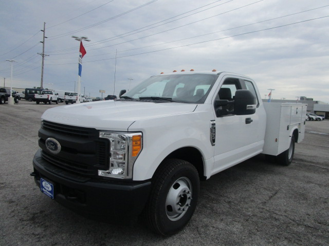 2017 F-350 Super Cab DRW, Knapheide Service Body #F31411 - photo 3