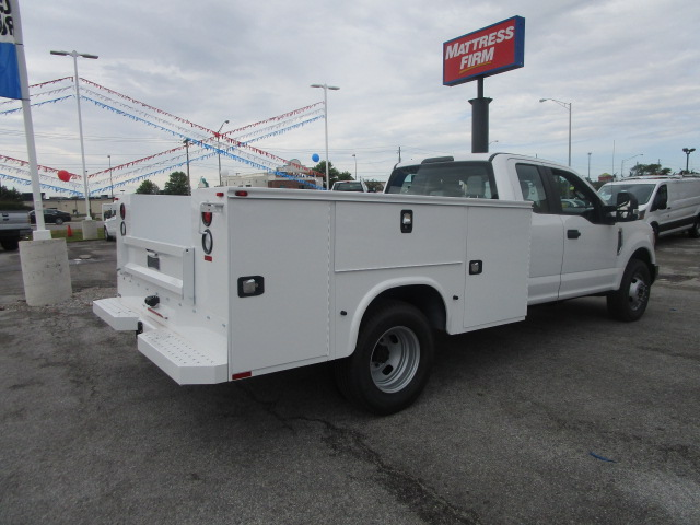 2017 F-350 Super Cab DRW, Knapheide Service Body #F31411 - photo 2