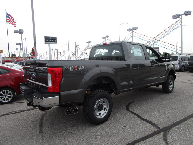 2017 F-250 Crew Cab 4x4 Pickup #F31444 - photo 2