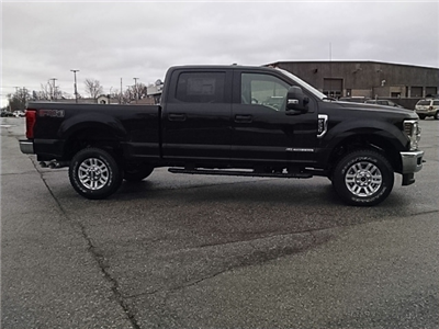 2018 F-350 Crew Cab 4x4, Pickup #F31463 - photo 10