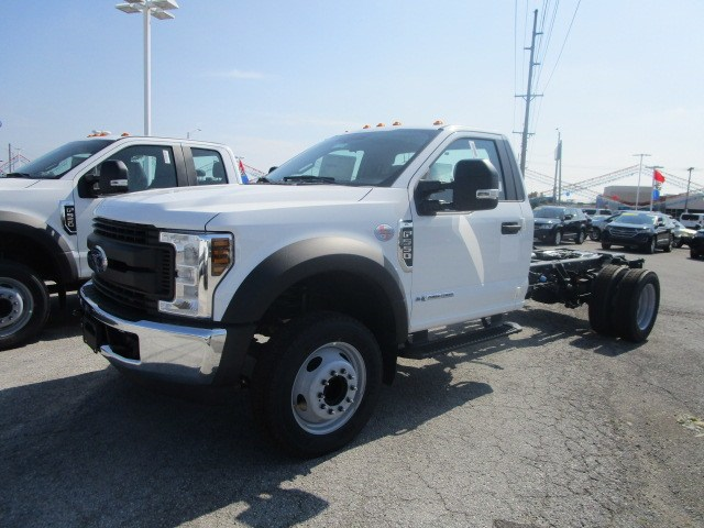 2019 F-550 Regular Cab DRW 4x2,  Cab Chassis #F31575 - photo 3