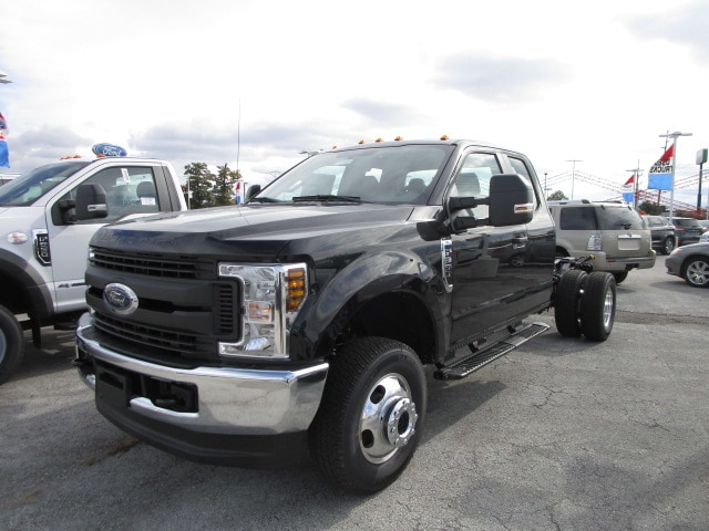 2019 F-350 Super Cab DRW 4x4,  Cab Chassis #F31601 - photo 3
