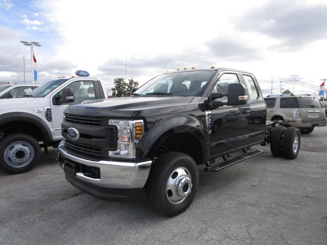 2019 F-350 Super Cab DRW 4x4,  Cab Chassis #F31601 - photo 6
