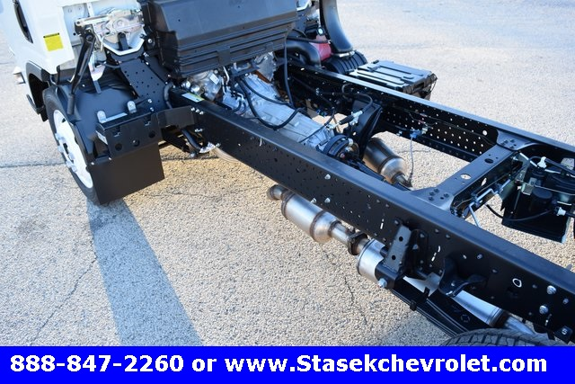 2016 Low Cab Forward Regular Cab, Cab Chassis #166863 - photo 11