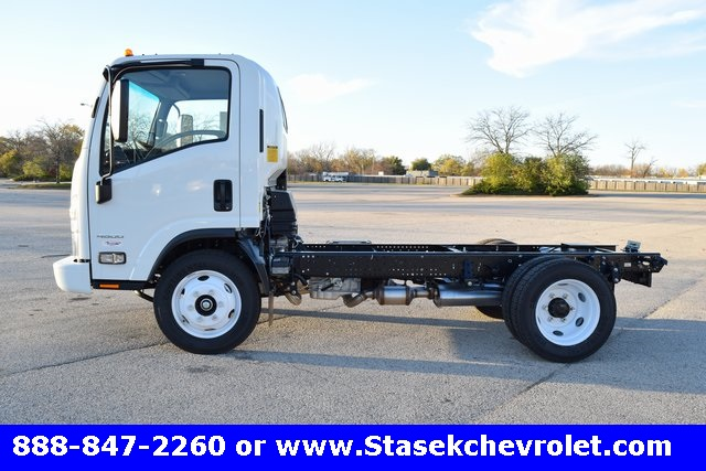 2016 Low Cab Forward Regular Cab, Cab Chassis #166863 - photo 14