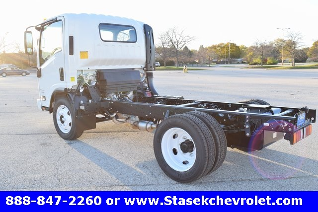 2016 Low Cab Forward Regular Cab, Cab Chassis #166863 - photo 2