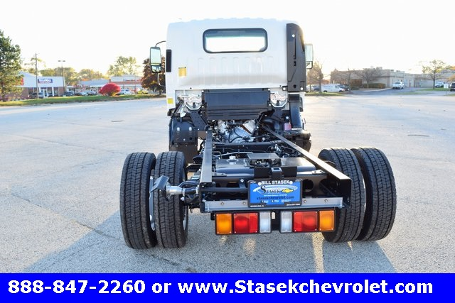 2016 Low Cab Forward Regular Cab, Cab Chassis #166863 - photo 15