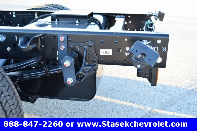 2016 Low Cab Forward Regular Cab, Cab Chassis #166863 - photo 16
