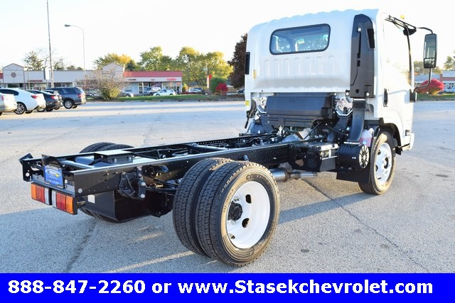 2016 Low Cab Forward Regular Cab, Cab Chassis #166863 - photo 17