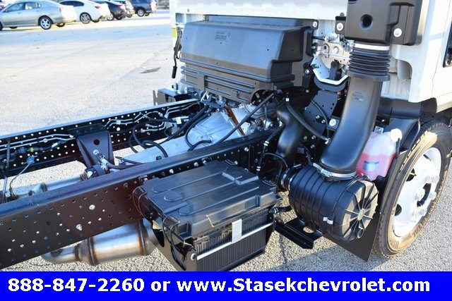 2016 Low Cab Forward Regular Cab, Cab Chassis #166863 - photo 20