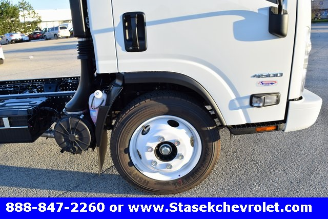 2016 Low Cab Forward Regular Cab, Cab Chassis #166863 - photo 21