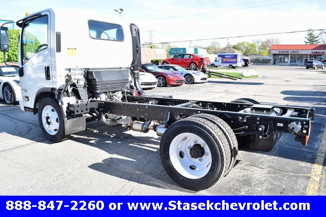 2016 Low Cab Forward Regular Cab, Cab Chassis #166890 - photo 2