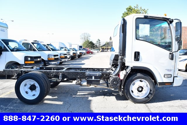 2016 Low Cab Forward Regular Cab Cab Chassis #166890 - photo 16