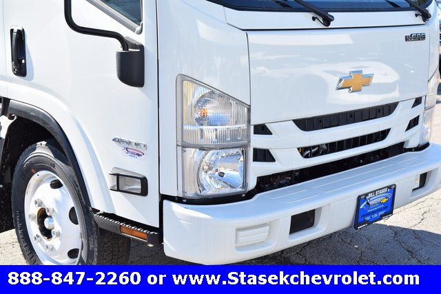 2016 Low Cab Forward Regular Cab Cab Chassis #166890 - photo 4